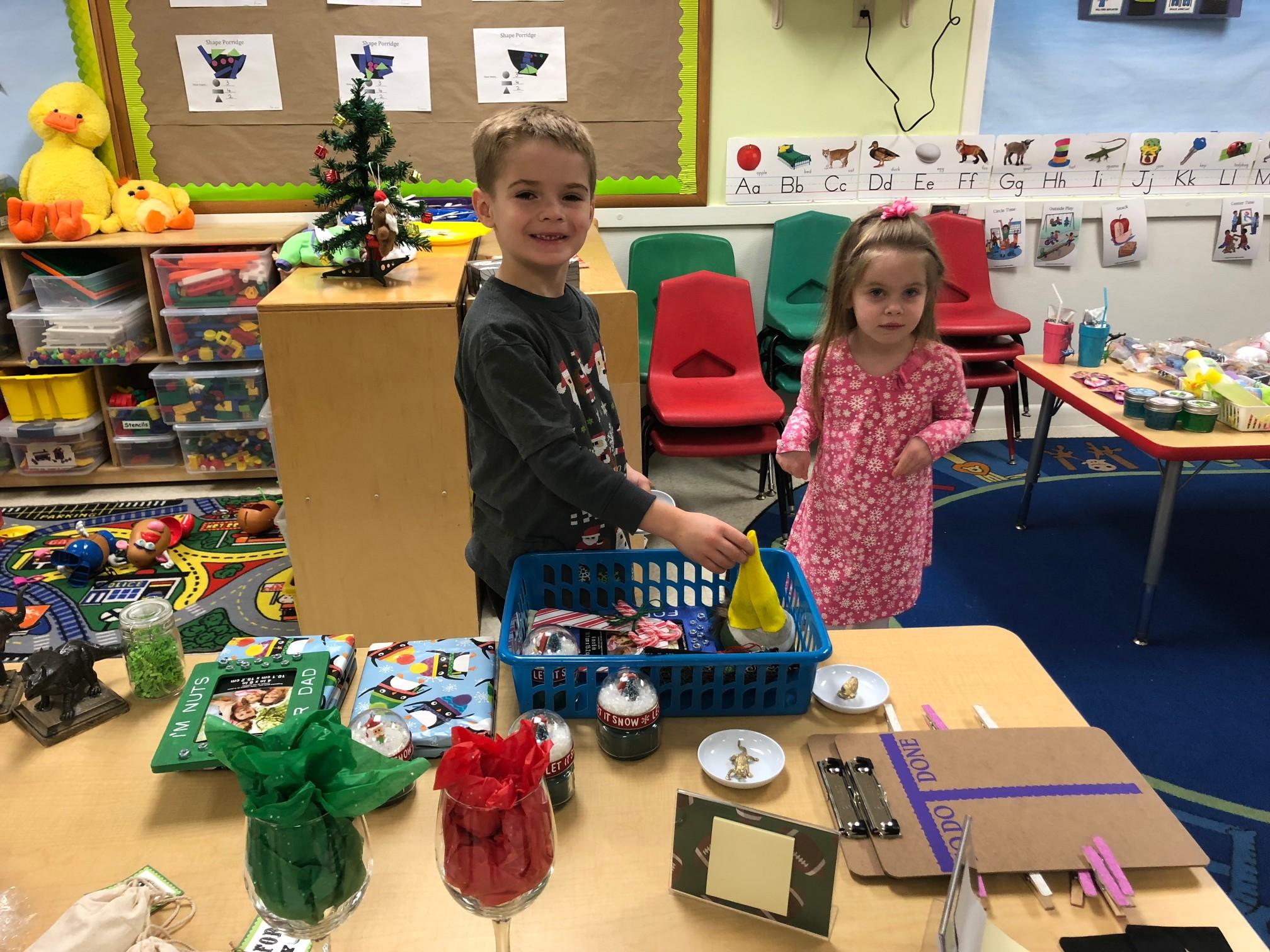 Holiday Shoppe (1) - Golden Pond School